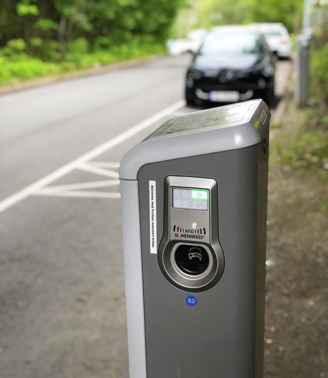 charging station electric borne de recharge - Les bornes de recharge publiques