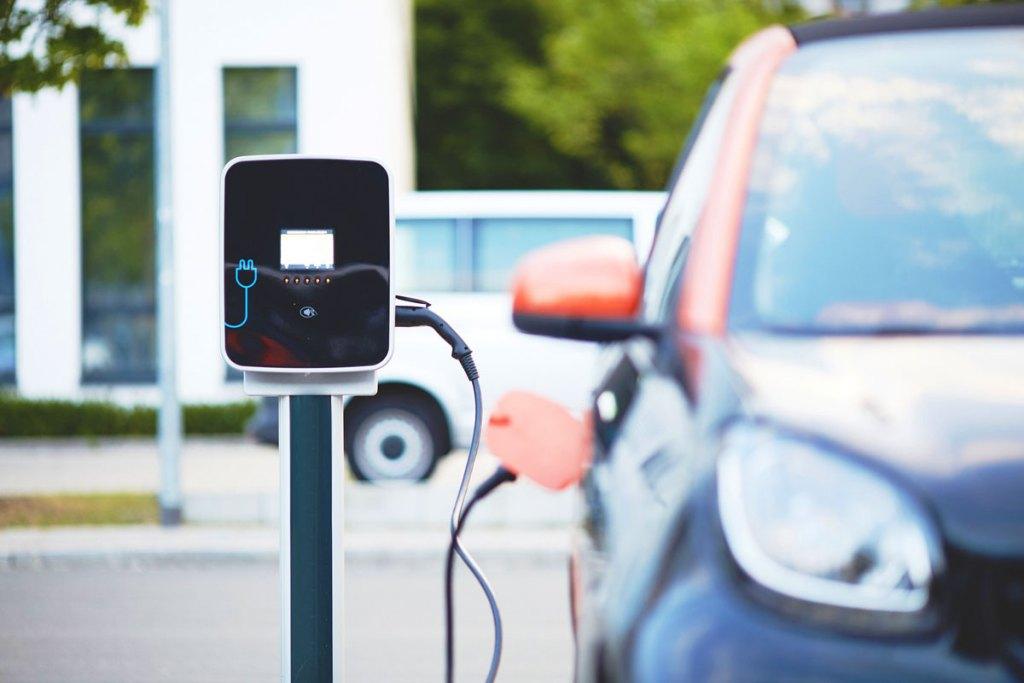 opladen van elektrische autos 1 - Hybride en elektrische auto's