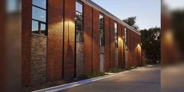 Outdoor Illumination Enhances Architecture of Historic Chicago Residential Complex
