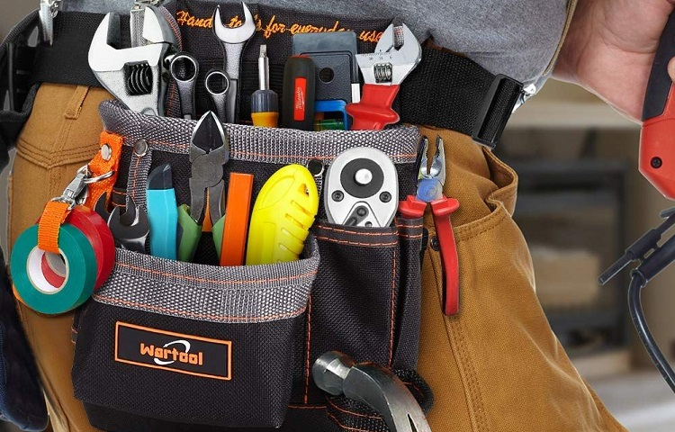 What tools does an electrician need