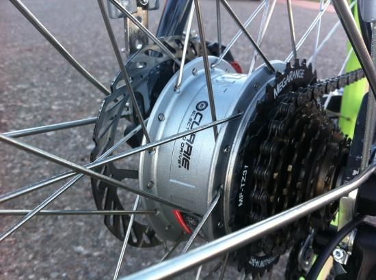 The 250 watt geared rear hub motor on the IZIP E3 Path electric bike.