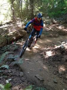 eMTB_rider_berm