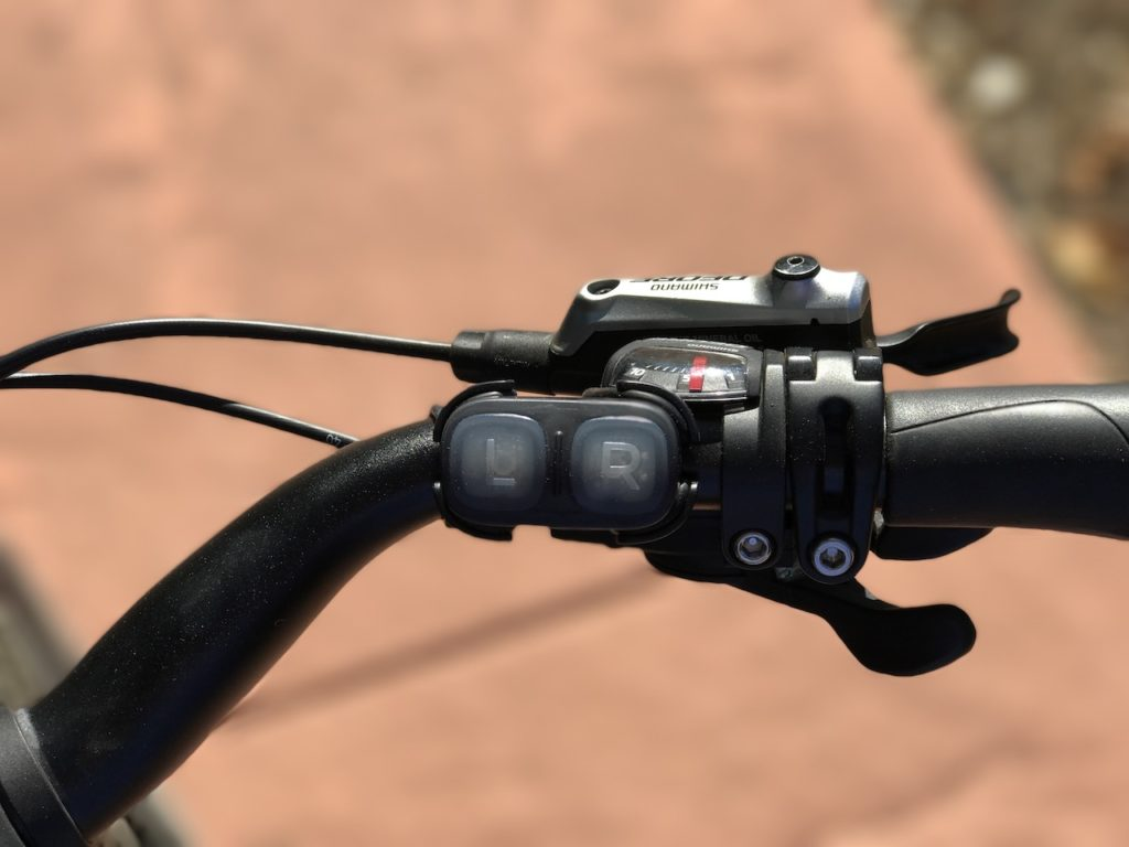 lumos-smart-helmet-turn-signals