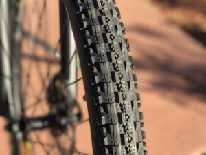 igo-m29r-electric-mountain-bike-tire
