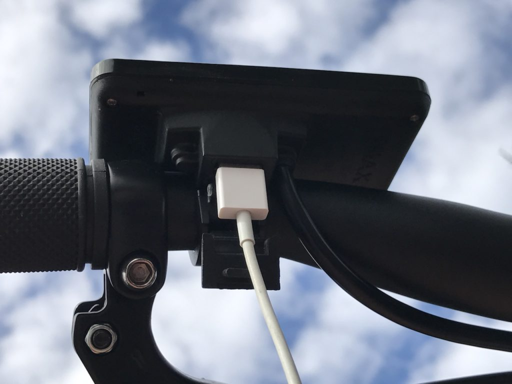 populo-sport-electric-bike-usb-cable-display