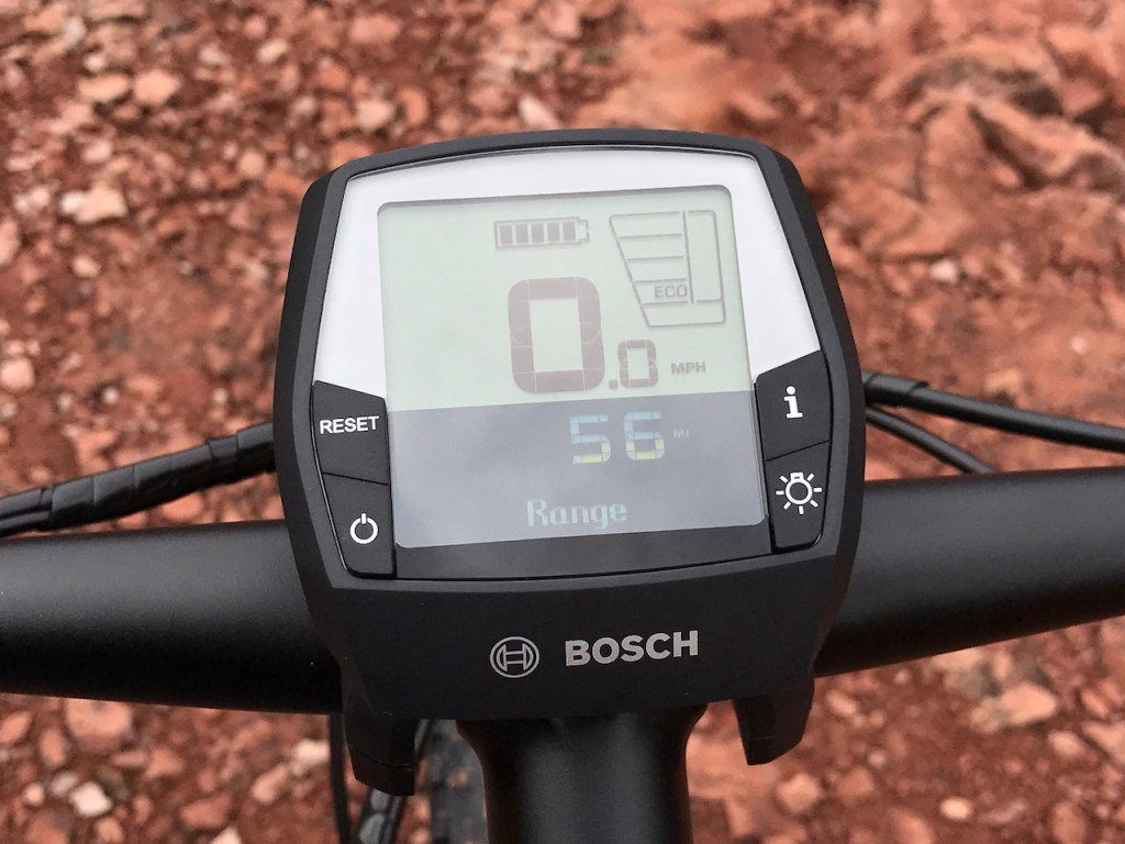 izip-e3-peak-electric-mountain-bike-display