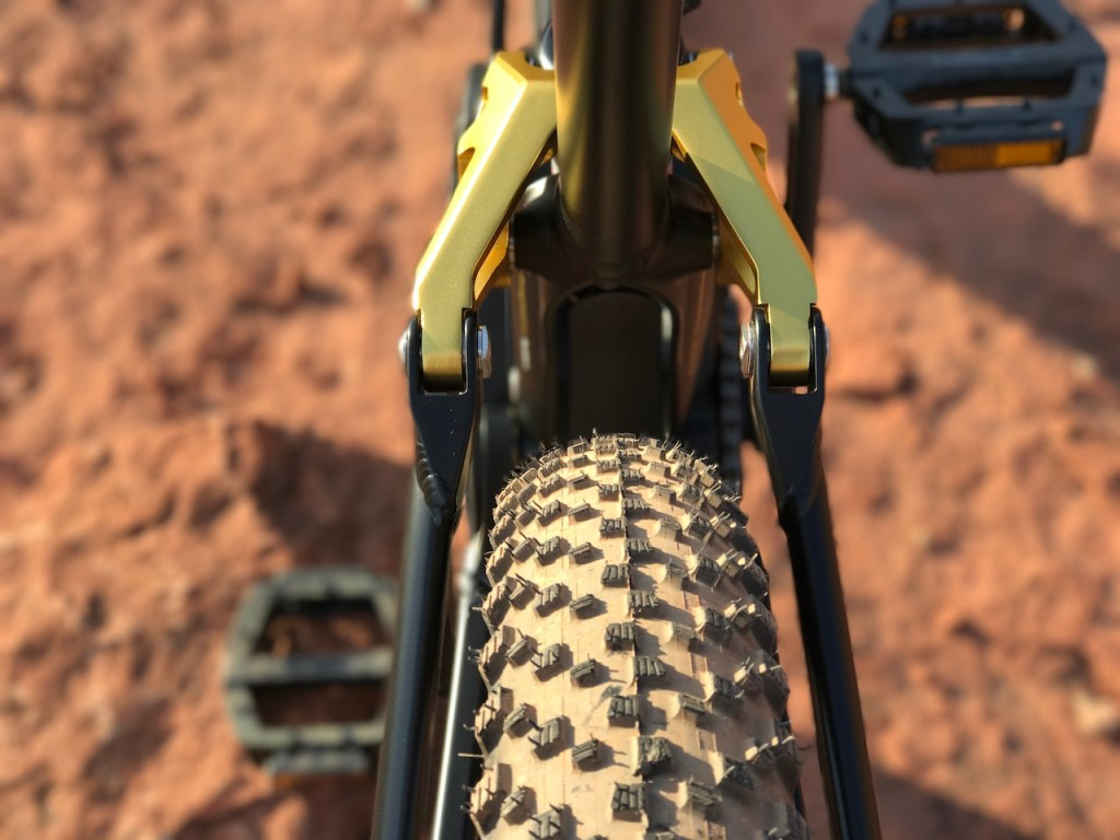 Fantic XF1 Casa electric mountain bike rear tires clearance