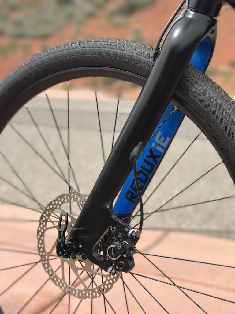 Raleigh Redux iE electric bike fork cable routing