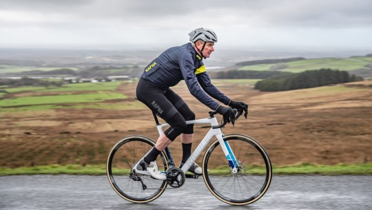 Former Tour de France Pro Sean Yates Rides Electric Bikes [VIDEO]