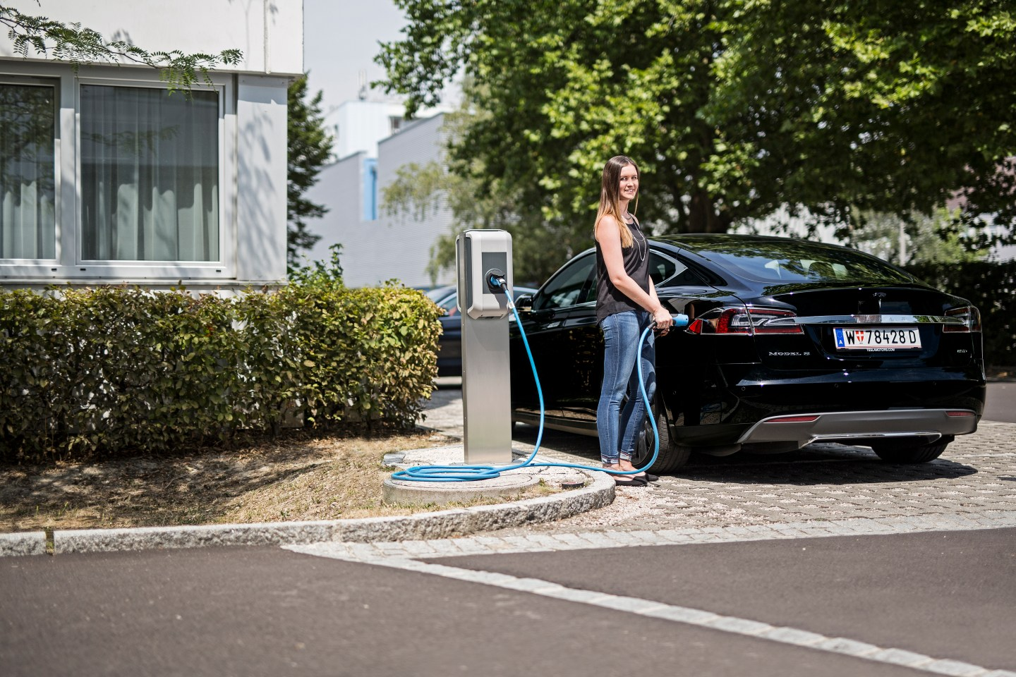 Electric Car Chargers UK, ECC UK, Installing chargers for hotels, hospitality, sports venues, spa's, golf courses and leisure facilities, helping to generate risk free revenue