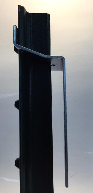 T-Post Mounting Bracket 90