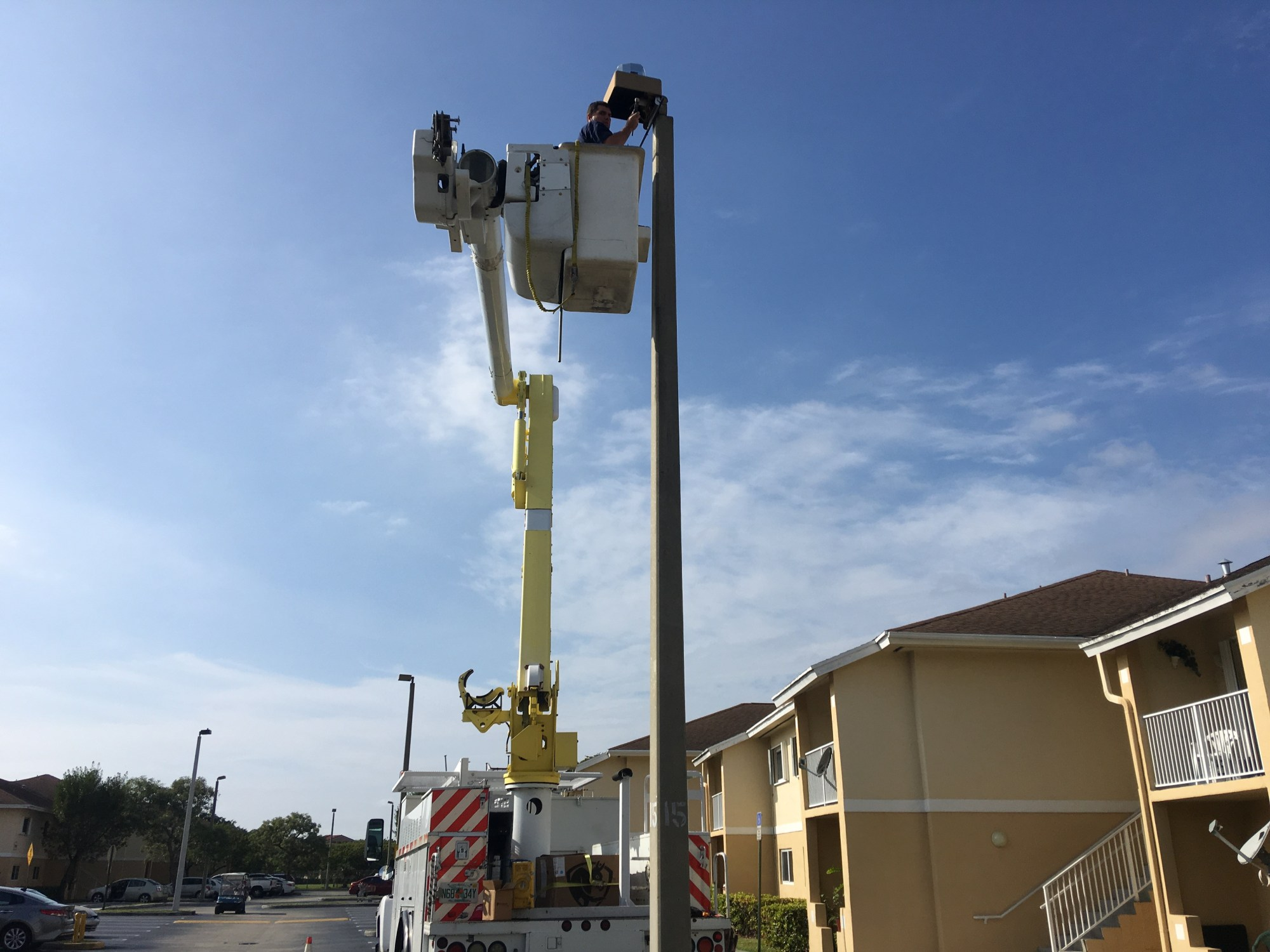 hight resolution of electric service repair provides bucket truck electrical services to any area in the south florida region including miami dade county miami