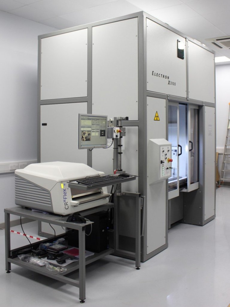 Automated 320KV x-ray cabinet
