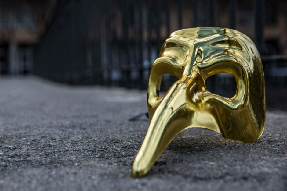 Claptone Obsequia Máscaras A Sus Fans