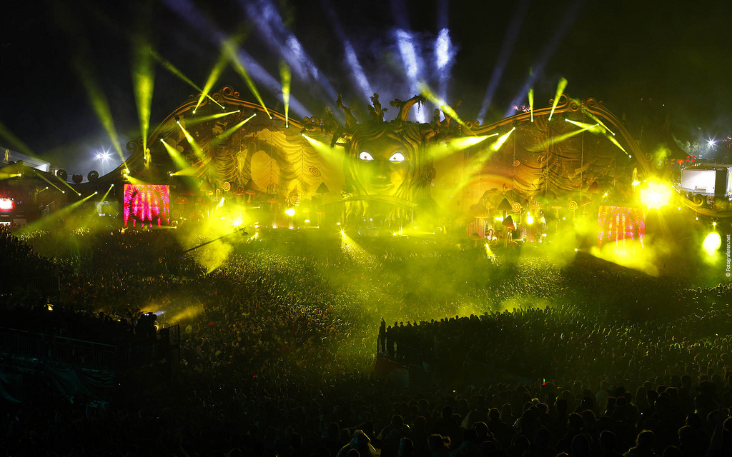 tomorrowland 2010 stage