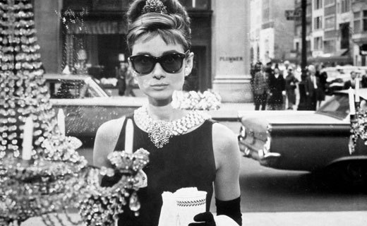 Audrey-Hepburn-holly-golightly-3136174-520-320