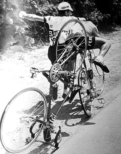 авария велосипедисты шоссейный велосипед