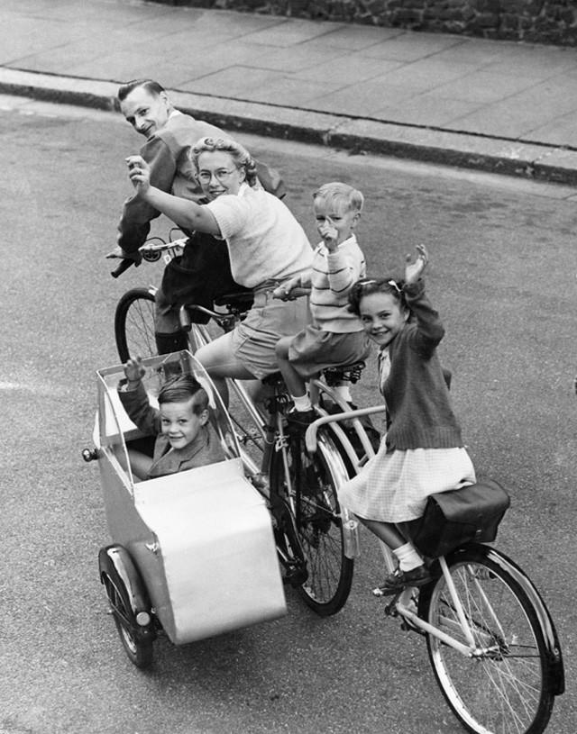 пятиместный старинный велосипед