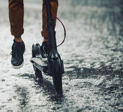 Дождь & электросамокат & электровелосипед