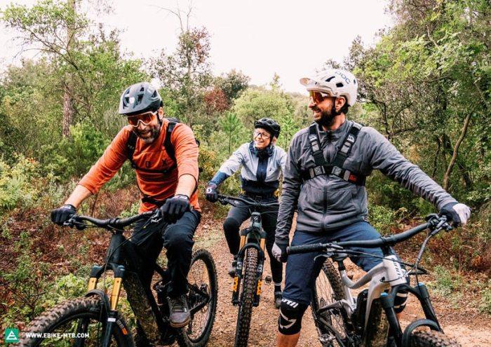велосипедисты E-Bike-MTB