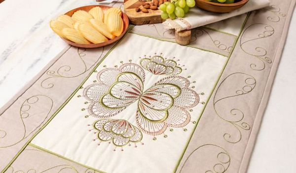 DESIGNER BRILLIANCE 80 table runner