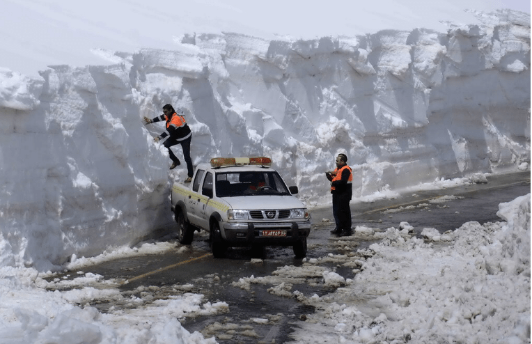 Record Cold, Deadly Blizzards, and 6 Meter (20 foot) Snow Drifts Batter Turkey, Syria, Iran, and Iraq - Electroverse