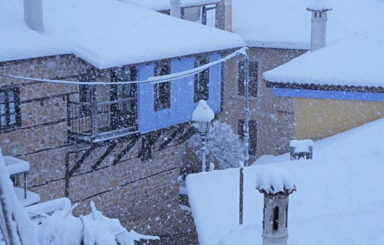 Super Rare Spring Snow Blankets Large Swathes of Central and Northern Greece - Yes, Greece! - Electroverse