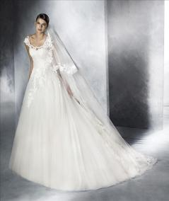 6189- Size 10, Was $1395, Now $697.50