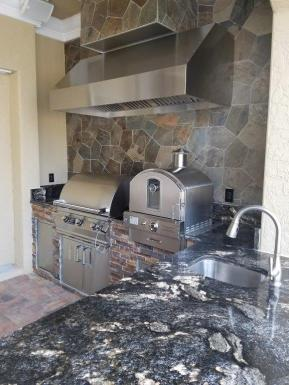 Fire Magic outdoor kitchen - Outdoor kitchen with pizza oven