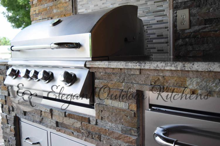 Custom Outdoor Kitchen Construction Services of Fort Myers, Florida
