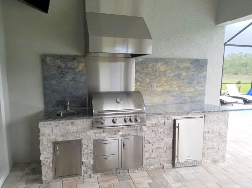 Unique outdoor kitchen design