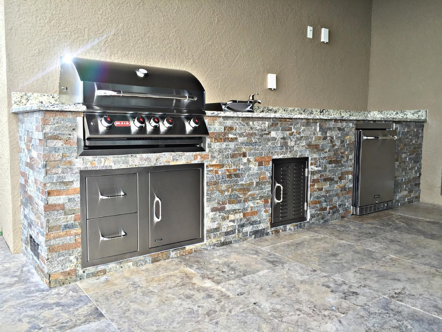 Beau Summer Kitchen   Corkscrew Shores In Estero Grill Shown W/ Custom Straight  Frame