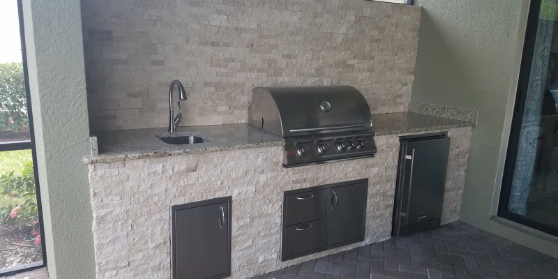 Elegant Outdoor Kitchens Linear WCI Build