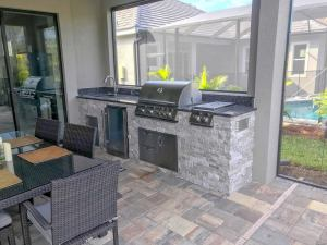 A Completed Elegant Outdoor Kitchen Design