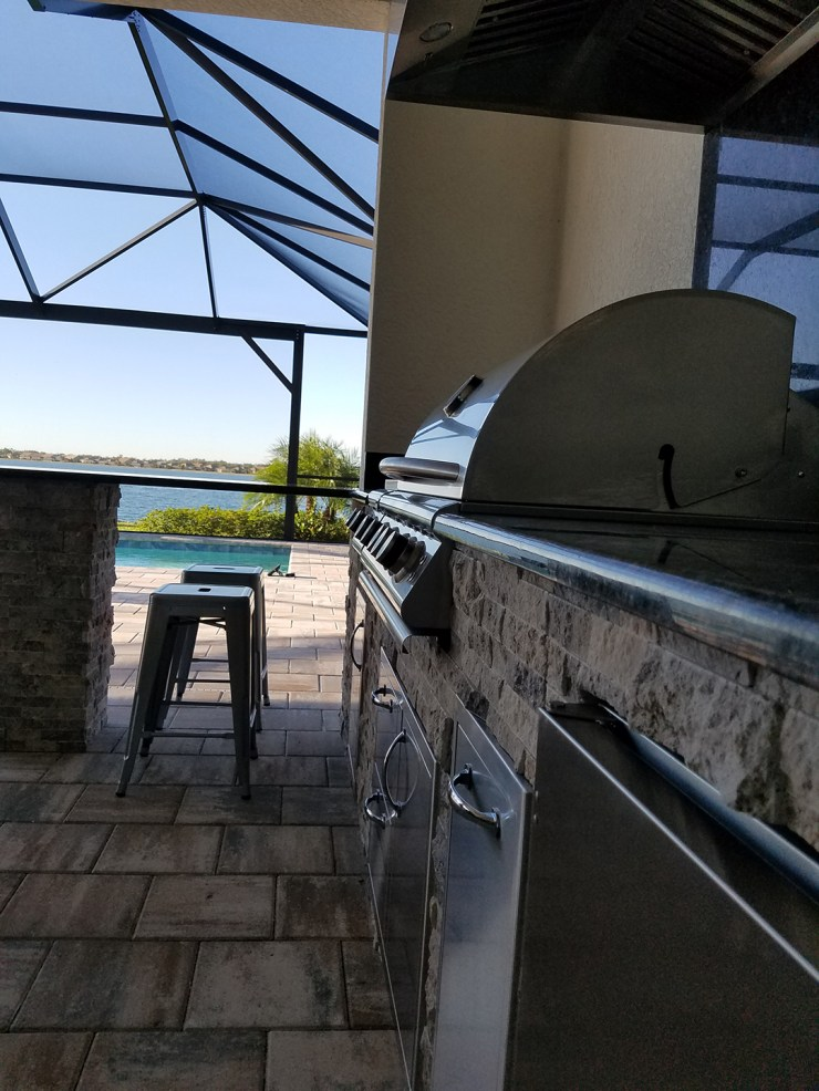 Corkscrew Shores L-Shaped Outdoor Kitchen by Pulte