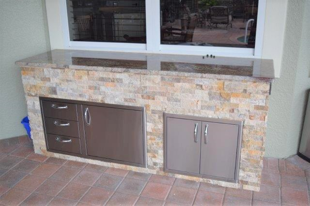 Outdoor kitchen area Verandah Golf & Country Club