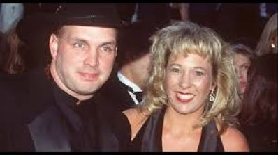 Garth Brooks and his ex-wife Sandy Mahl