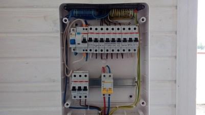 монтаж электрики в дачном доме