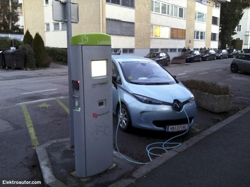An dieser Ladestation der Electrodrive Salzburg wollte mein ZOE nicht mehr laden. Das Problem liegt aber vermutlich an meinem Auto, da dieses auch bei anderen Ladestationen immer öfter verweigert hat.