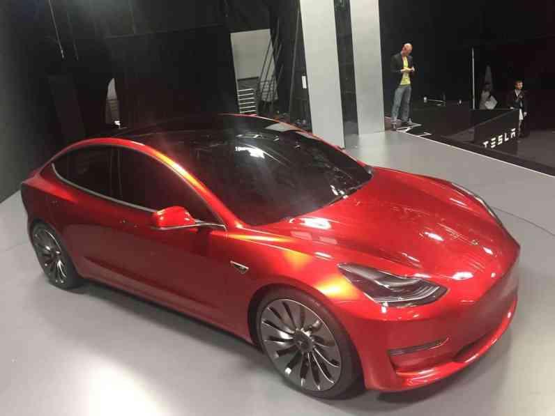 exklusiv-model-3-front-top-02