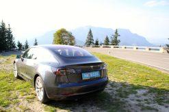 Tesla Model 3 Heckansicht