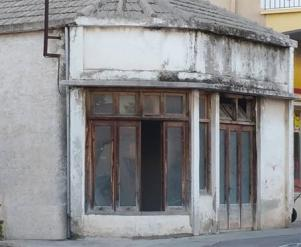 the building condition before the intervention