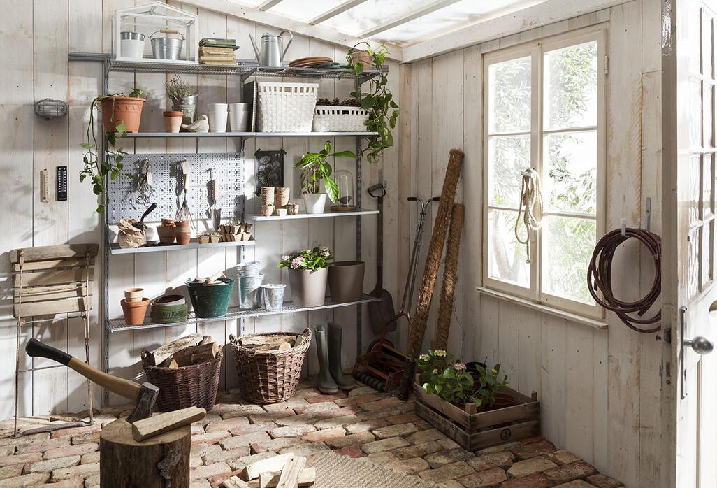 rayonnage pour votre cabane de abris jardin