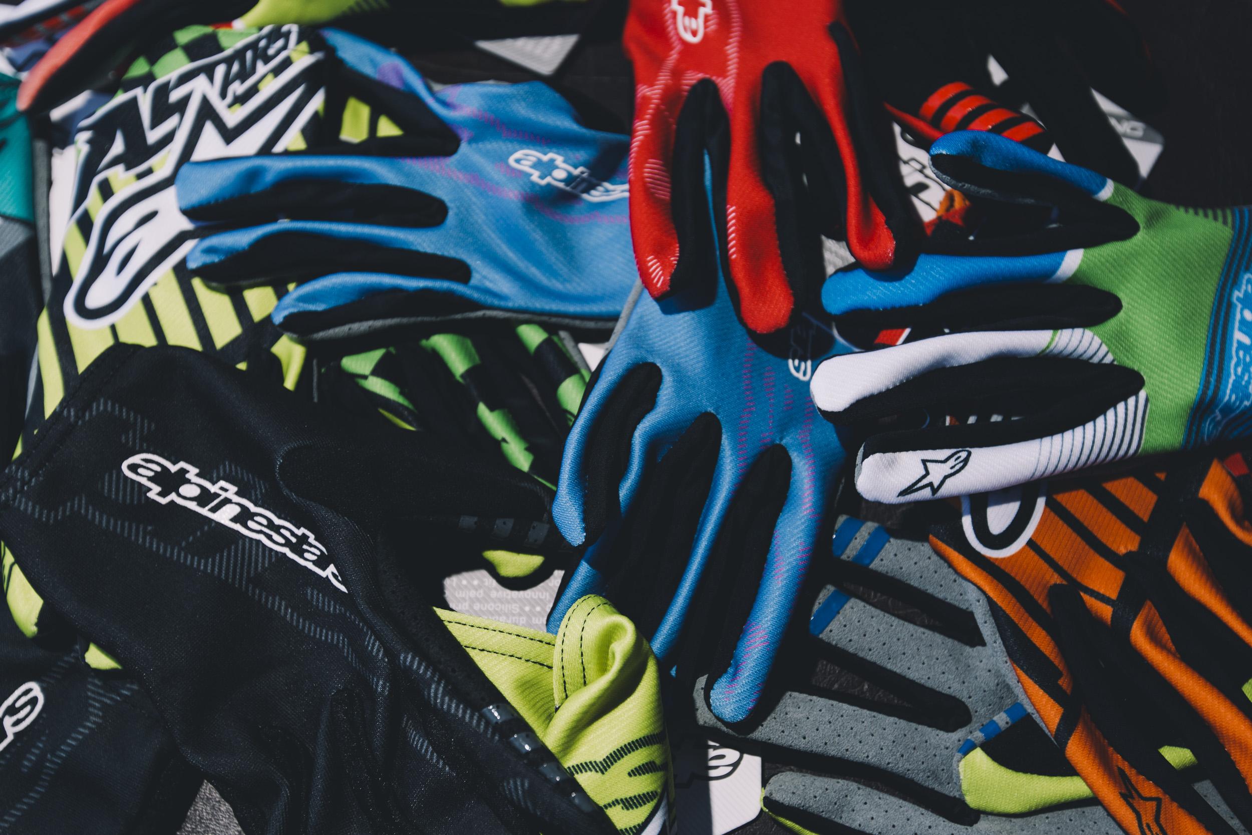 Alphinestar's F-Lite gloves