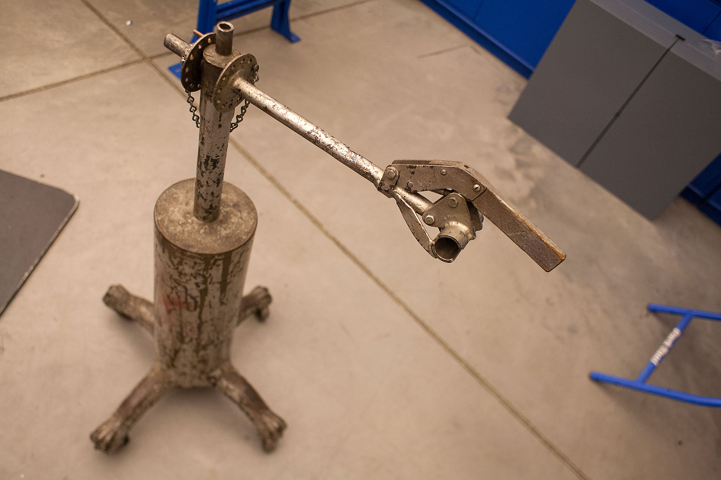 The first repair stand made by Park Tool founders Howard Hawkins and Art Engstrom. It consisted of a dining room table base on caster wheels, a shell casing filled with cement, a truck axel and a broken hockey stick. Photo: David Pierini/Element.ly