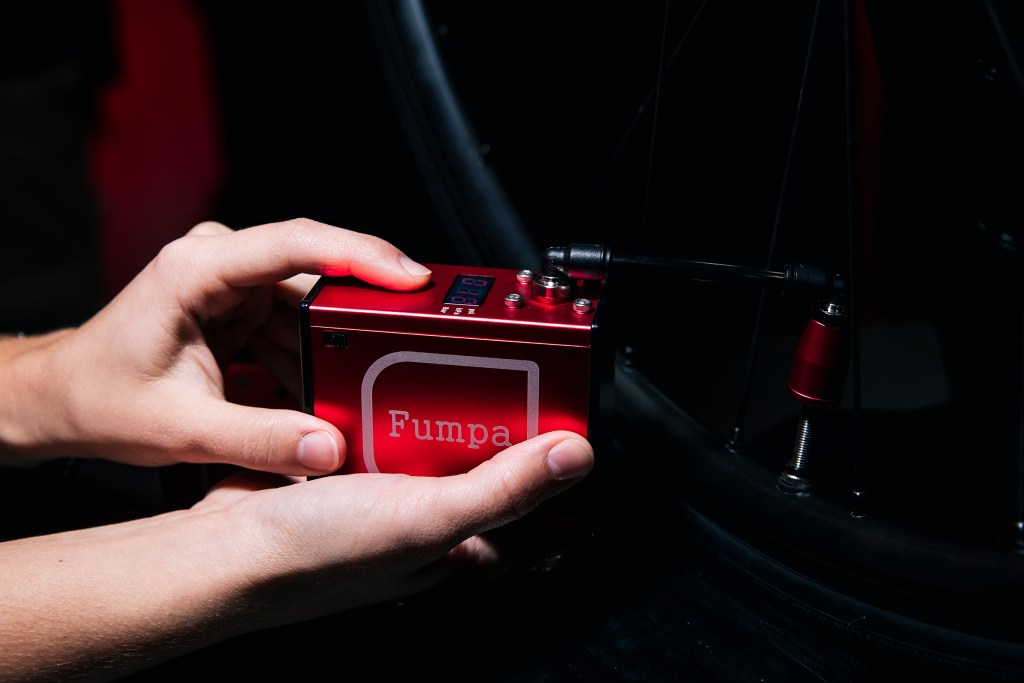 Fumpa portable electric bike pump