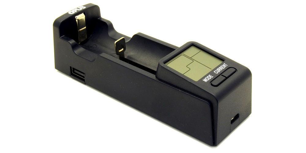 OPUS BT-C100 eleje USB-vel