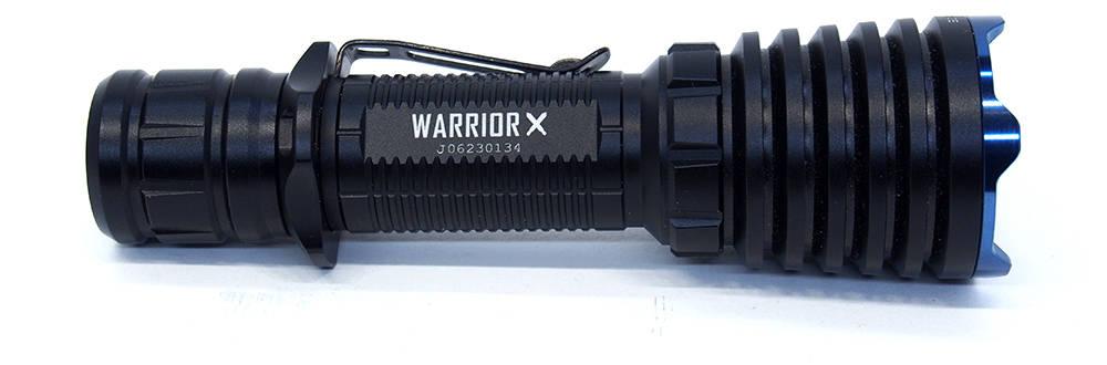 Olight Warrior X oldalról