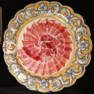 Plato de jamón cortado