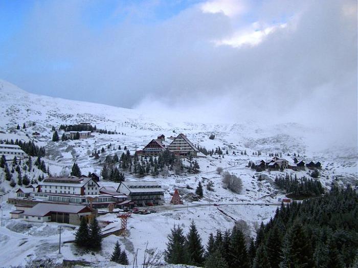 Дневните ски билети на Попова Шапка поевтини за над 33 отсто, скијачката  сезона продолжува